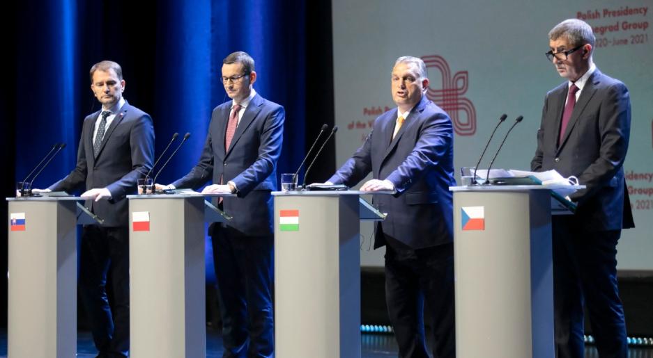 Szczyt V4 w Lublinie. Mateusz Morawiecki: chcemy zaproponować bezwizowy ruch dla Białorusinów