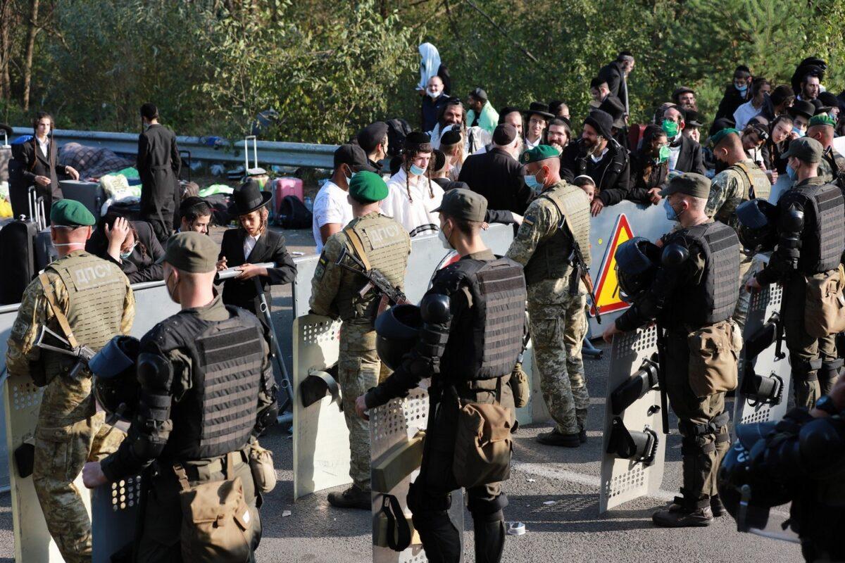 Прикордонники продовжують охороняти ділянку українсько-білоруського кордону у посиленому режимі (відео)