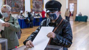 Явка по Киеву на 13:00 составила 16%, по Украине - от 14 до 26%