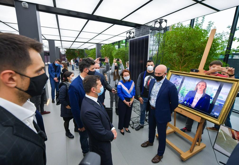 Креативная молодежь должна предложить свои идеи изменений в государстве – Президент во время общения с молодыми предпринимателями в первом инновационном парке Украины