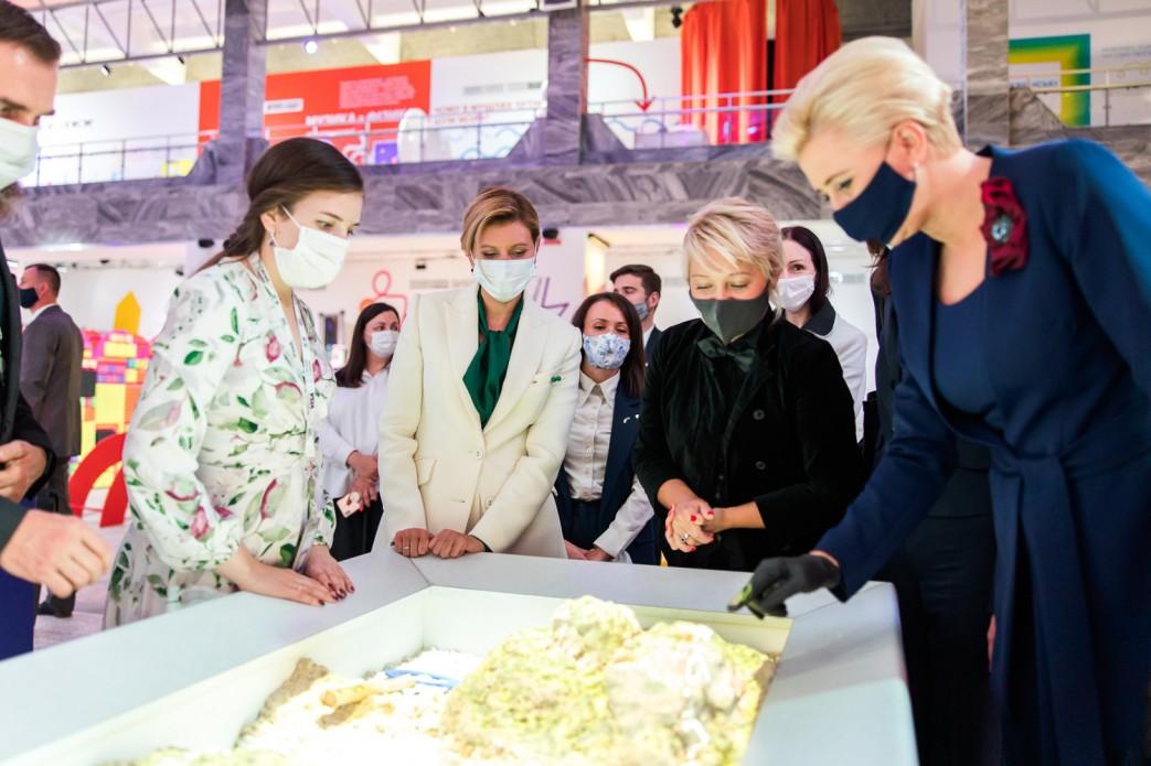 Перші леді України та Польщі відвідали Музей науки