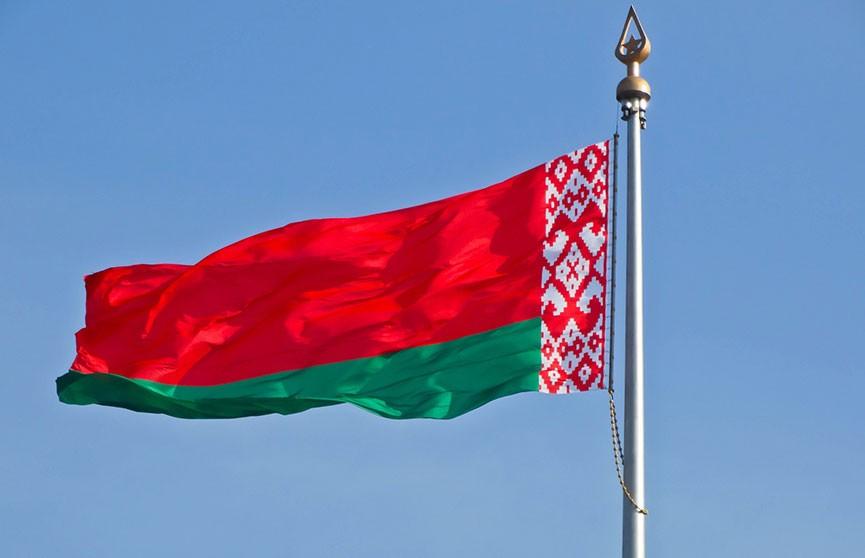 Білорусь відкликає своїх послів одразу з двох країн