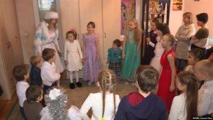 Влада Києва заборонила допуск батьків на новорічні свята у дитсадки і школи