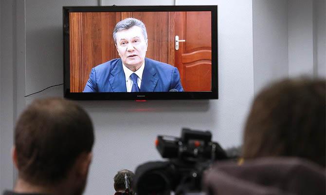 Суд скасував заочний арешт Януковичу