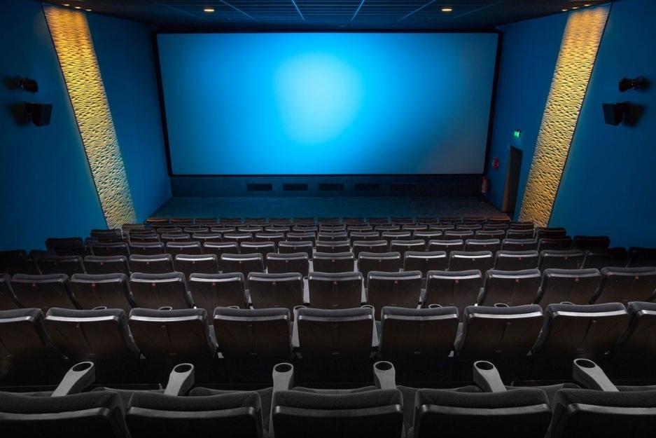 Польща замикає театри, концертні зали та інші заклади культури