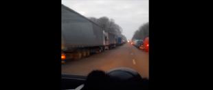 На українсько-польському кордоні — знову черги (відео)