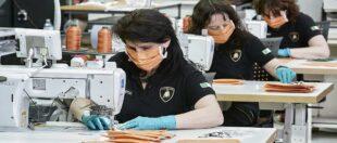 Від сьогодні працедавець в Польщі сам вирішує, чи мають працівники носити маски