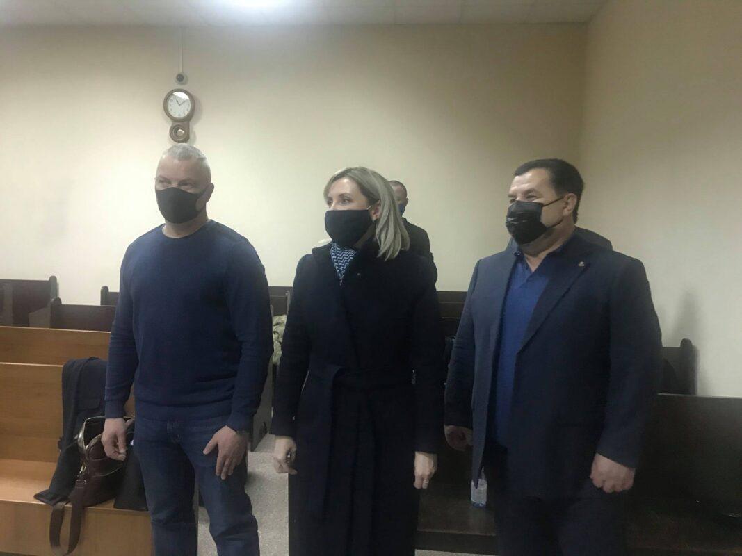 Судове засідання в Печерському суді вчора закінчилось десь о 23 вечора