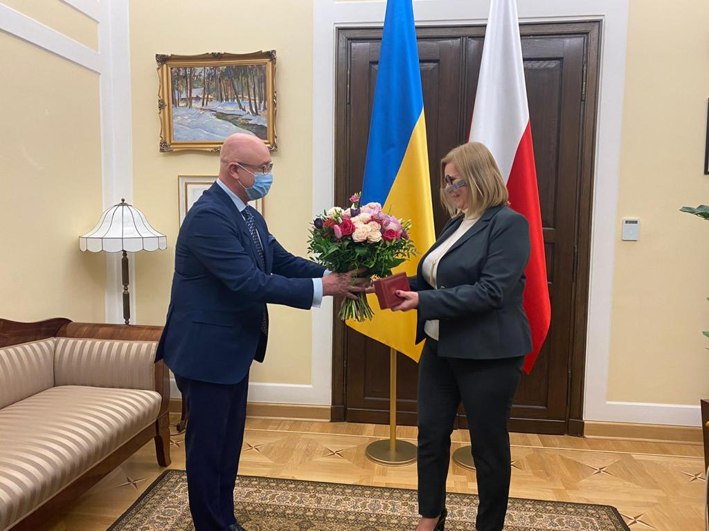 Oleksii Reznikov awarded the Order of princess Olha of III degree to deputy marshal of the Sejm of the republic of Poland Malgorzata Gosiejewska