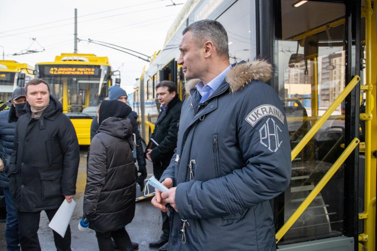 Віталій Кличко: Сьогодні на маршрути в Києві вийдуть іще 15 нових сучасних тролейбусів, які нещодавно придбало місто (+фото)
