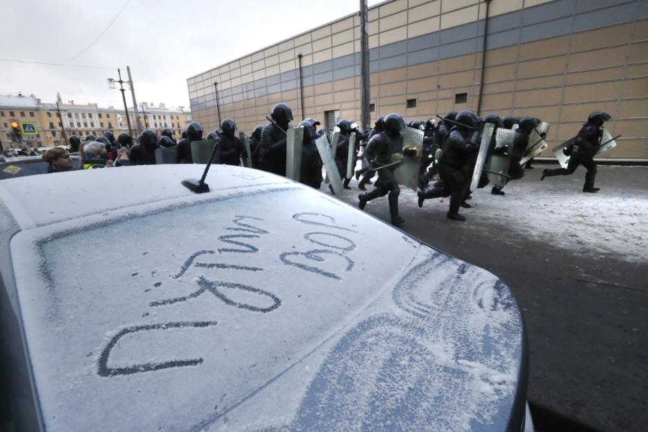 «Справжнім ударом було би закриття російської заправної станції»