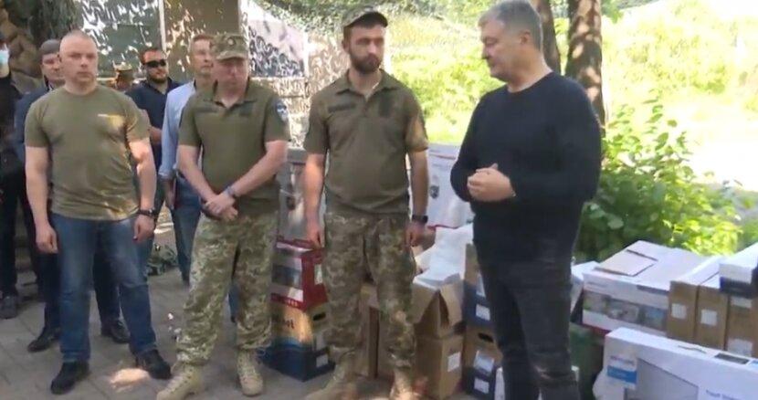 Петро Порошенко на Донеччині передав 10-й окремій гірсько-штурмовій бригаді комплект відеоспостереження