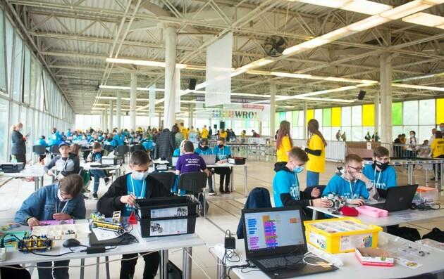 Определены команды, которые представят Украину на Всемирной олимпиаде по робототехнике