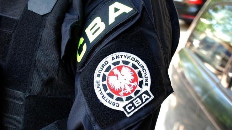 В польському відділенні у справах іноземців затримали урядовицю, яка брала хабарі