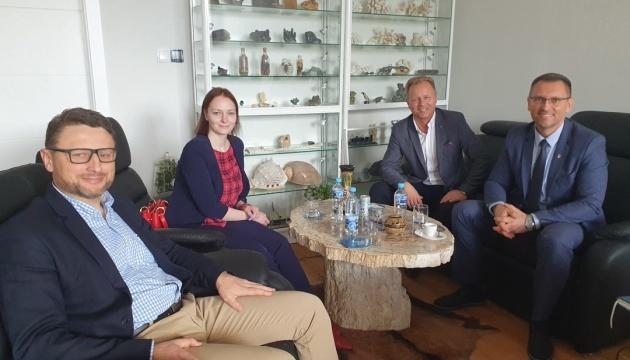 У Кракові обговорили забезпечення потреб українських дітей і підлітків