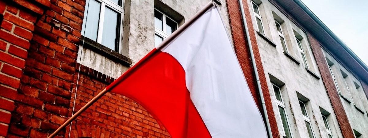 Зміни в Польщі в травні: листи без марок, нові вимоги при працевлаштуванні й не тільки