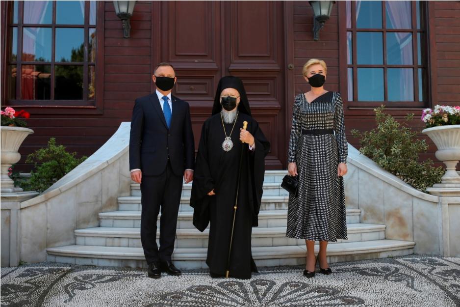 У Стамбулі відбулася історична зустріч Варфоломія І та польської президентської пари