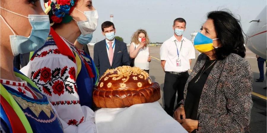 Президент Грузии прибыла с визитом в Украину