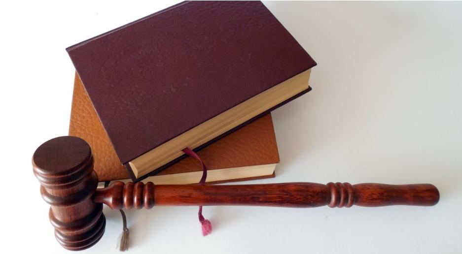 Суд у Ґдині призупинив розгляд справи щодо побиття телеоператора