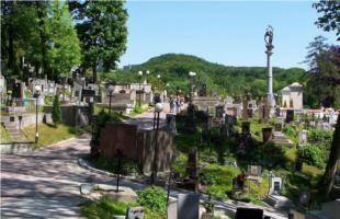 Польські та українські реставратори відновлюють пам'ятники на Личаківському цвинтарі