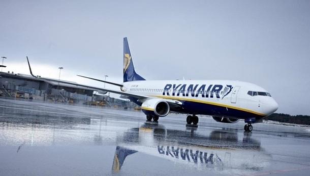 Директор Ryanair розсварився з польськими посадовцями у соцмережах через аеропорт