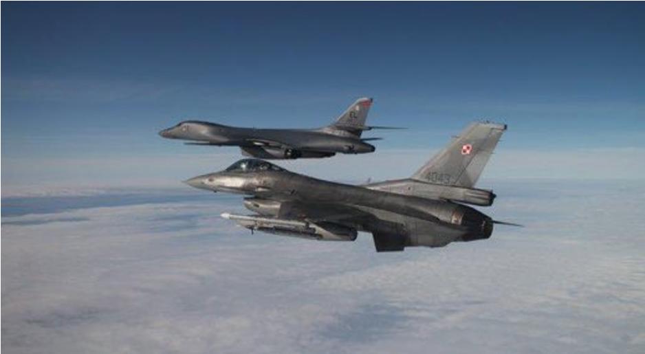 Polscy piloci F-16 eskortowali przelot amerykańskich bombowców B-1B nad Polską